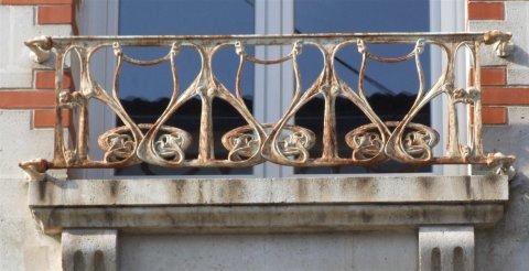 Des fontes Guimard à Saintes