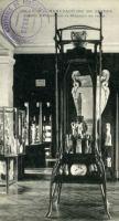 1902 – Vitrine et vases de Guimard à Sèvres