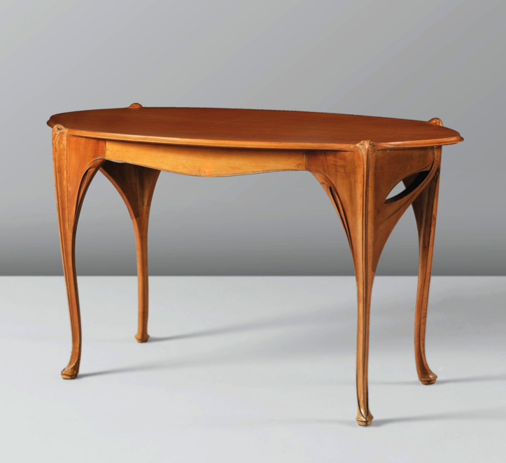 Table, vente Sotheby's Paris, 16 février 2013 (lot n° 94).