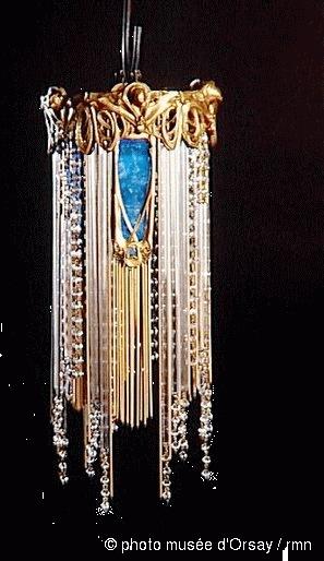 Musée d'Orsay, deux lustres Lumière, vente Arcole, Drouot Richelieu, 28 juin 1989 (lot 223).