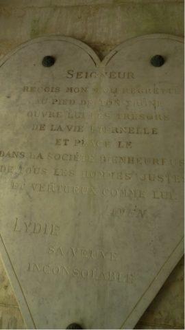 Deux plaques, dont l'une en forme de cœur, dédiées à Paul Grunwaldt par son épouse Lydia.